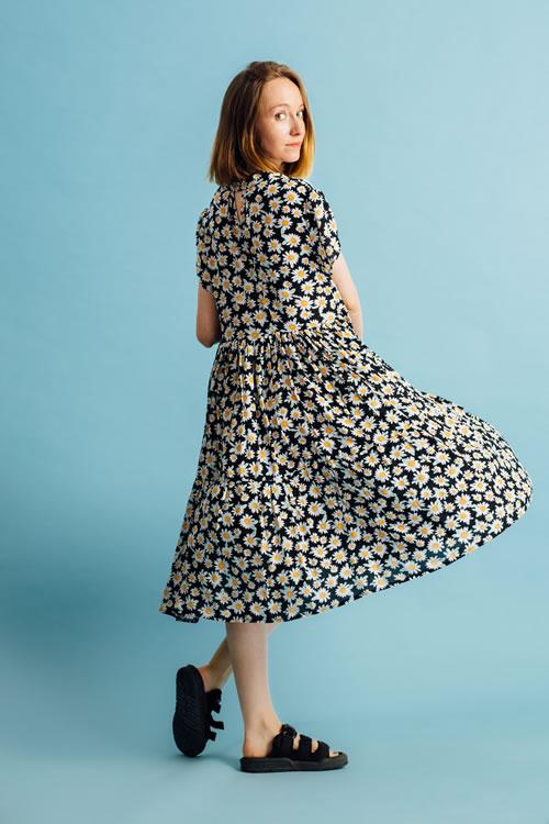 Rochie cu volane si margarete