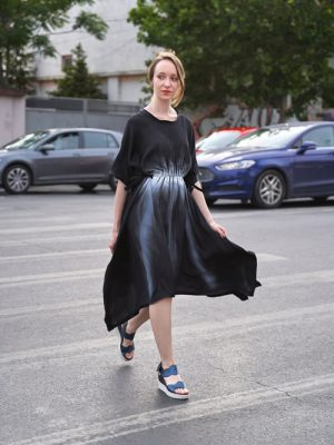 Rochie neagră pictată